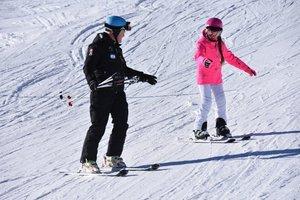 Инструкторы по горным лыжам и сноуборду