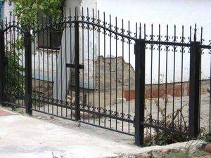 Изготовление кованных металлических заборов и ворот в Орске