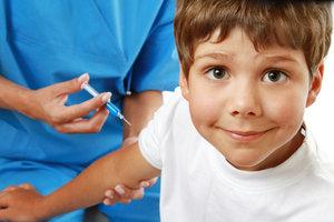 Защитите себя и ваших детей от ГРИППА осенью! Успейте сделать прививку с выгодой 10 % для семейного бюджета!