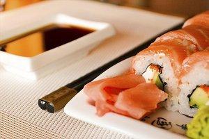 Суши на обед недорого