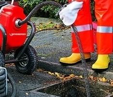 Прочистка канализационных труб и колодцев с помощью установки «Акваджек»!