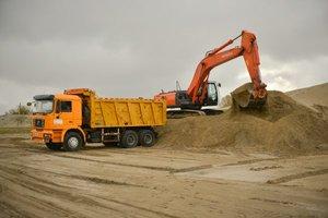 Песок строительный природный с доставкой