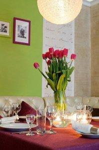 Визит в романтическое кафе в Туле - еще один повод признаться в чувствах!
