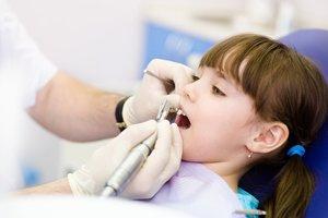 Прием детского стоматолога. Обращайтесь!