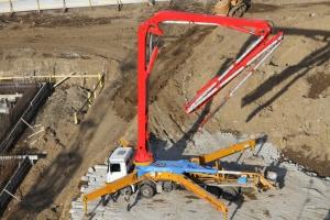 Оказываем услуги по доставке бетона в Иркутске и Иркутском районе миксерами различной ёмкости от 2,5м3 до 10м3 Предлагаем к использованию автобетононасосы (швинги) различной длины от 15м до 52м на выгодных условиях