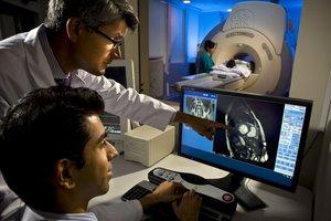 У нас можно пройти МРТ на современном и надежном томографе