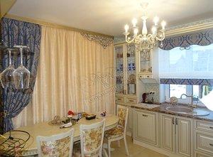 Свежие фотографии наших работ с текстильным оформлением гостиной, совмещенной с кухней