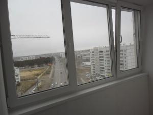 Остекление балконов, Окна ПВХ- ТЕПЛЫЕ Многокамерная система профиля и трехконтурная система уплотнения
