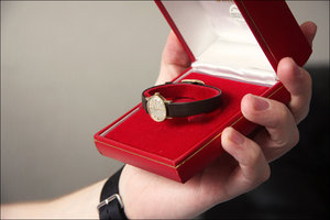 """Почему можно и нужно дарить часы. Подарочный сертификат от салона часов """"Точное время"""""""