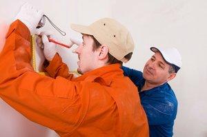 Задумали освежить ремонт? Поручите отделочные работы в Кемерово СМК «ВЕК»!
