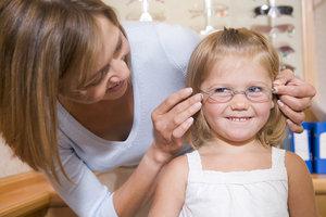 Лечение нарушений зрения у детей в «Лунет»
