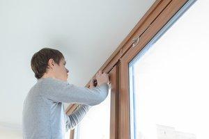 Выполнение работ по установке деревянных окон