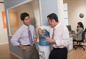 Кулер для воды не заменим в офисе!