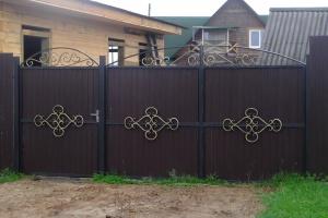 Ворота, заборы, двери, решетки, козырьки.