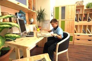 Где купить детскую мебель в комнату для первоклассника, чтобы ребенку понравилось учиться?