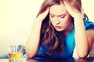 Алкоголизм у женщин. Мы поможем в лечении!