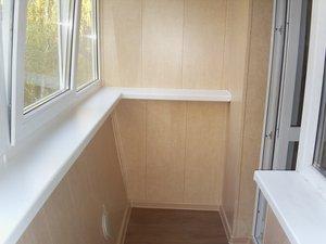 """Компания """"Балкон Орск"""" осуществляет внутреннюю отделку балконов панелями из ПВХ"""