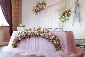 Декор свадебного места в подарок
