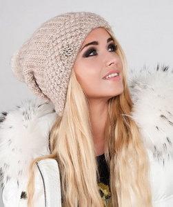 Продажа стильных женских шапок
