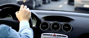 Хотите получить водительские права, но не знаете с чего начать? Загляните в нашу автошколу!