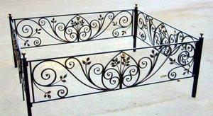 Ограда на кладбище. Металлические оградки. Заказать кованые или сварные ограды на могилу в Новотроицке.