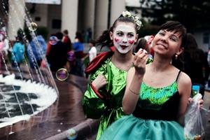 12 июня Geely примет участие в фестивале уличных театров