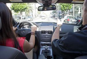Езда на автомобиле с инструктором или автотренажер?