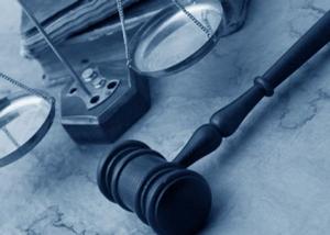 Как выбрать грамотного адвоката, чьи юридические услуги и юридическая консультация действительно помогут.