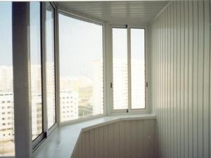 Производим остекление балконов в Сургуте