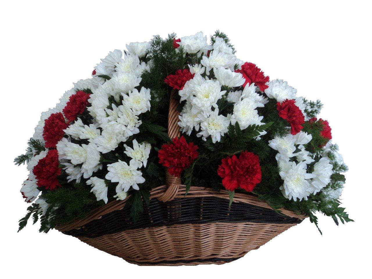 Фото ритуальных корзин из живых цветов