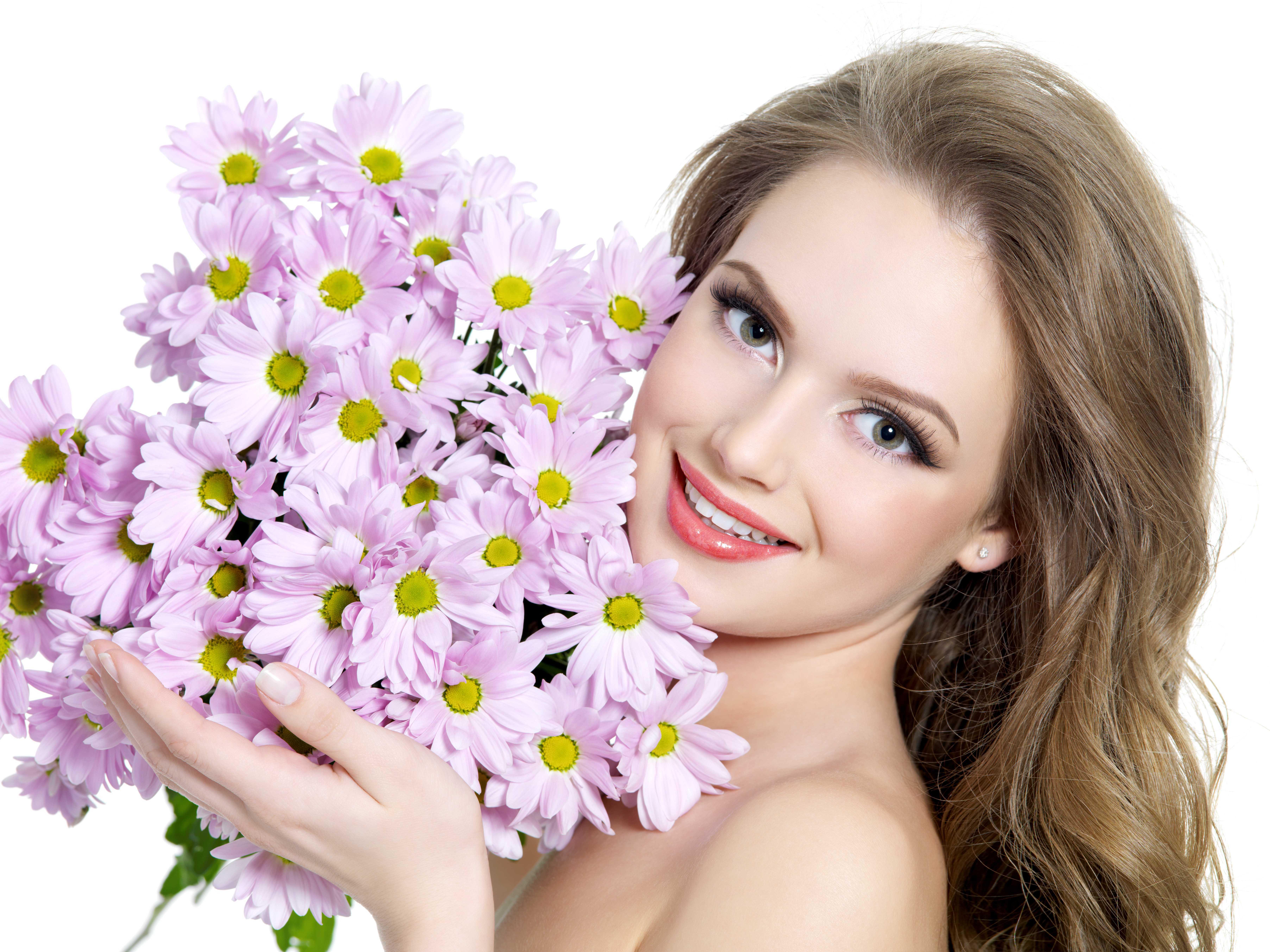 Фото голая девушка с букетом цветов 18 фотография