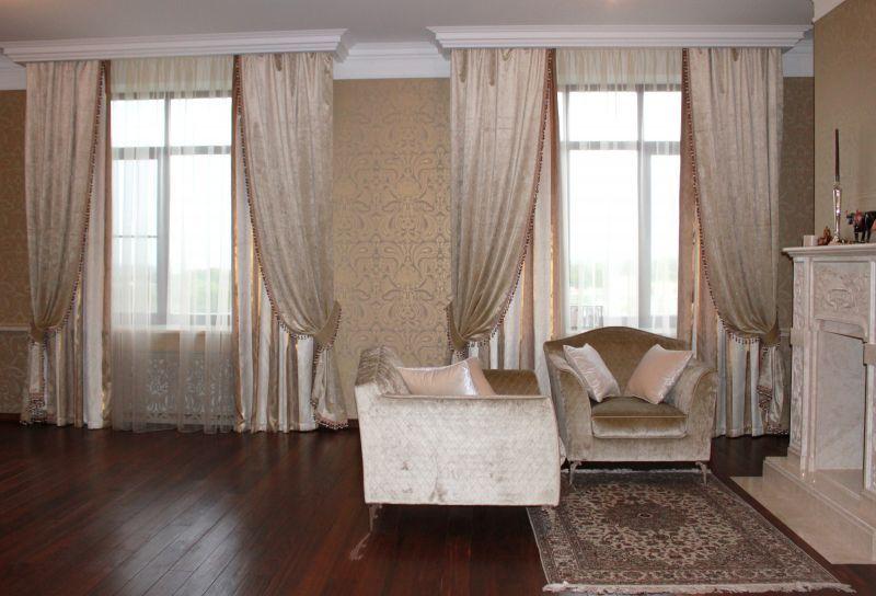Как оформить шторы для гостиной 67