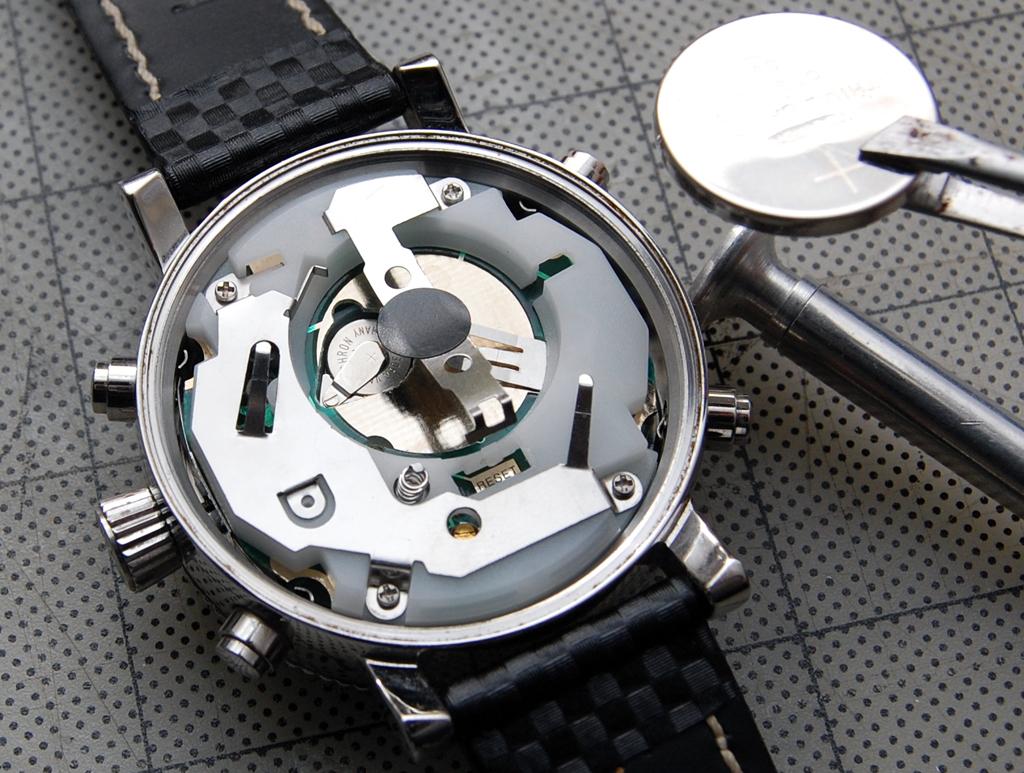 Поменять батарейку в наручных часах самому наручные часы baojia как настроить