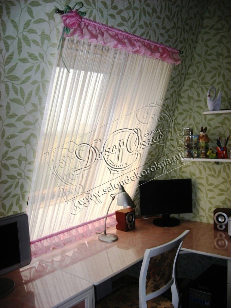 кафе-карнизы на мансардное окно
