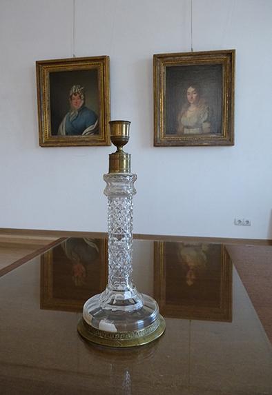 Хрустальный подсвечник, принадлежавший Марии Николаевне Волконской. Первая половина XIX века