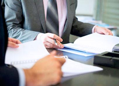 Юрист специализирующийся на договорном праве