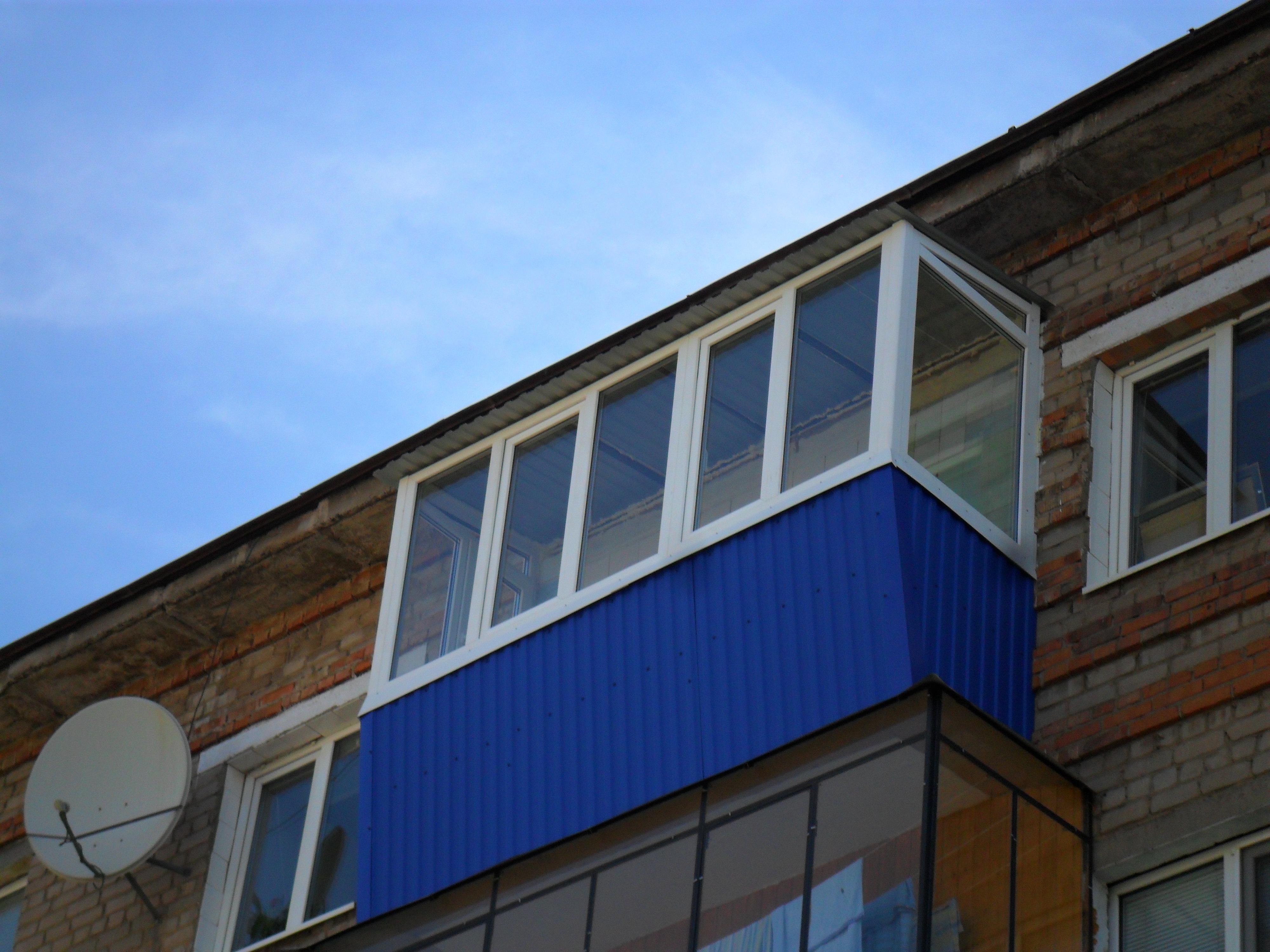 Евробалконы с крышей.