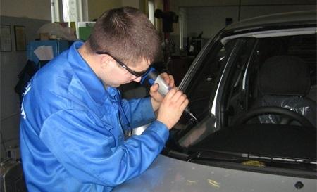 ремонт трещин и сколов в Оренбурге ремонт автостекла в Оренбурге трещины и сколы автостекла Авто экспресс автоэкспресс оренбург