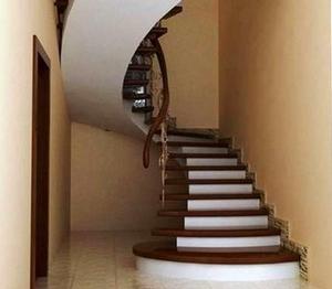 Монолитные лестницы из бетона - отличное решение для любого здания!