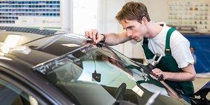 Предлагаем замену лобовых, боковых и задних стекол для автомобилей различных марок в Вологде