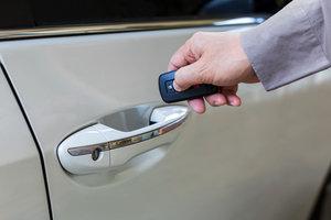 Плюсы и минусы системы бесключевого доступа в автомобиль