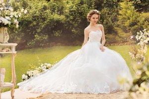 Химчистка свадебного платья по доступной цене