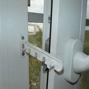 Польза от ограничителей открывания окон