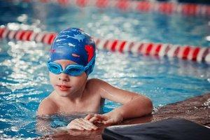 Запишите своего ребенка в детский лагерь в бассейне!