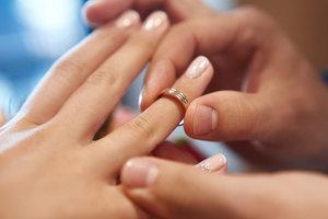 Можно ли использовать чужие обручальные кольца?