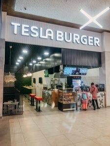 Сеть TESLA BURGER пополнилась 2-я новыми ресторанами в Тюмени