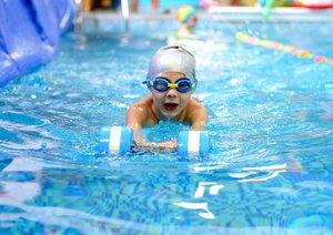 Занятия с тренером по обучению плаванием в Вологде