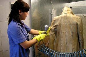 Дубленка висит в шкафу грязная, и носить не хочется? Только у нас новейшие технологии деликатной чистки!