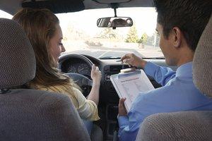 Обращайтесь в нашу автошколу, чтобы получить водительское удостоверение