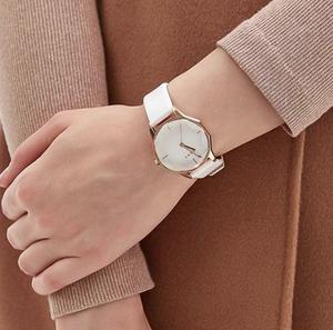 Женские часы с граненым циферблатом